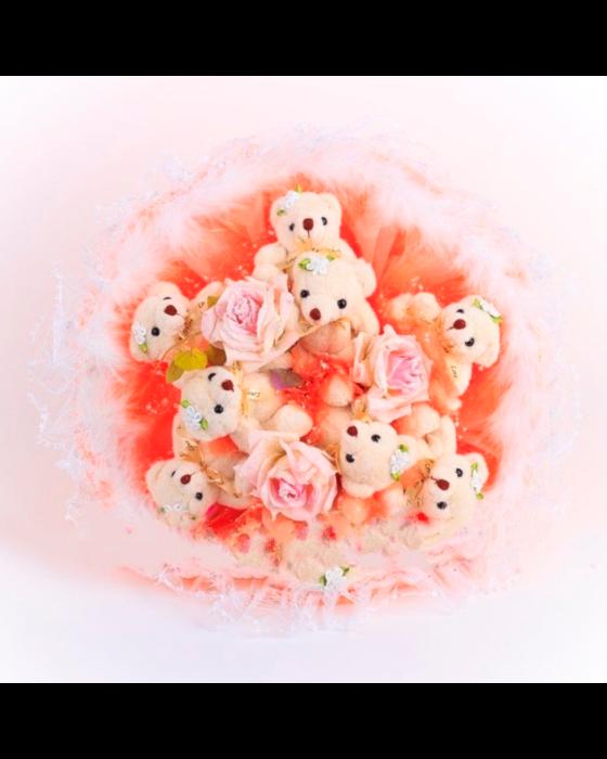 Букет из игрушек «Персиковый десерт»