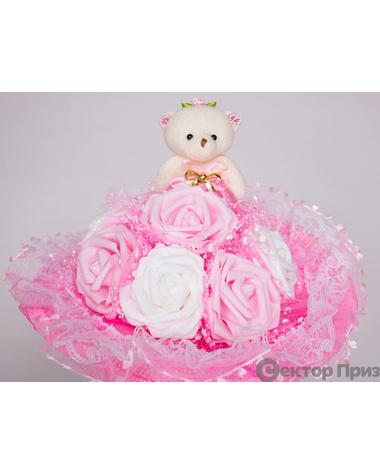 Букет из игрушек «Медвежонок в розах»